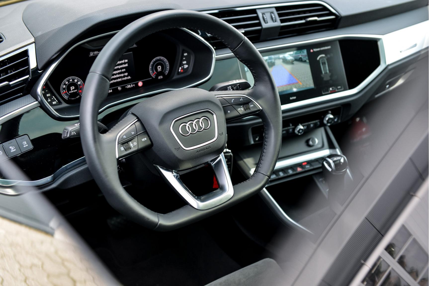 Audi-Q3 Sportback-1