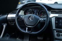 Volkswagen-Passat-1