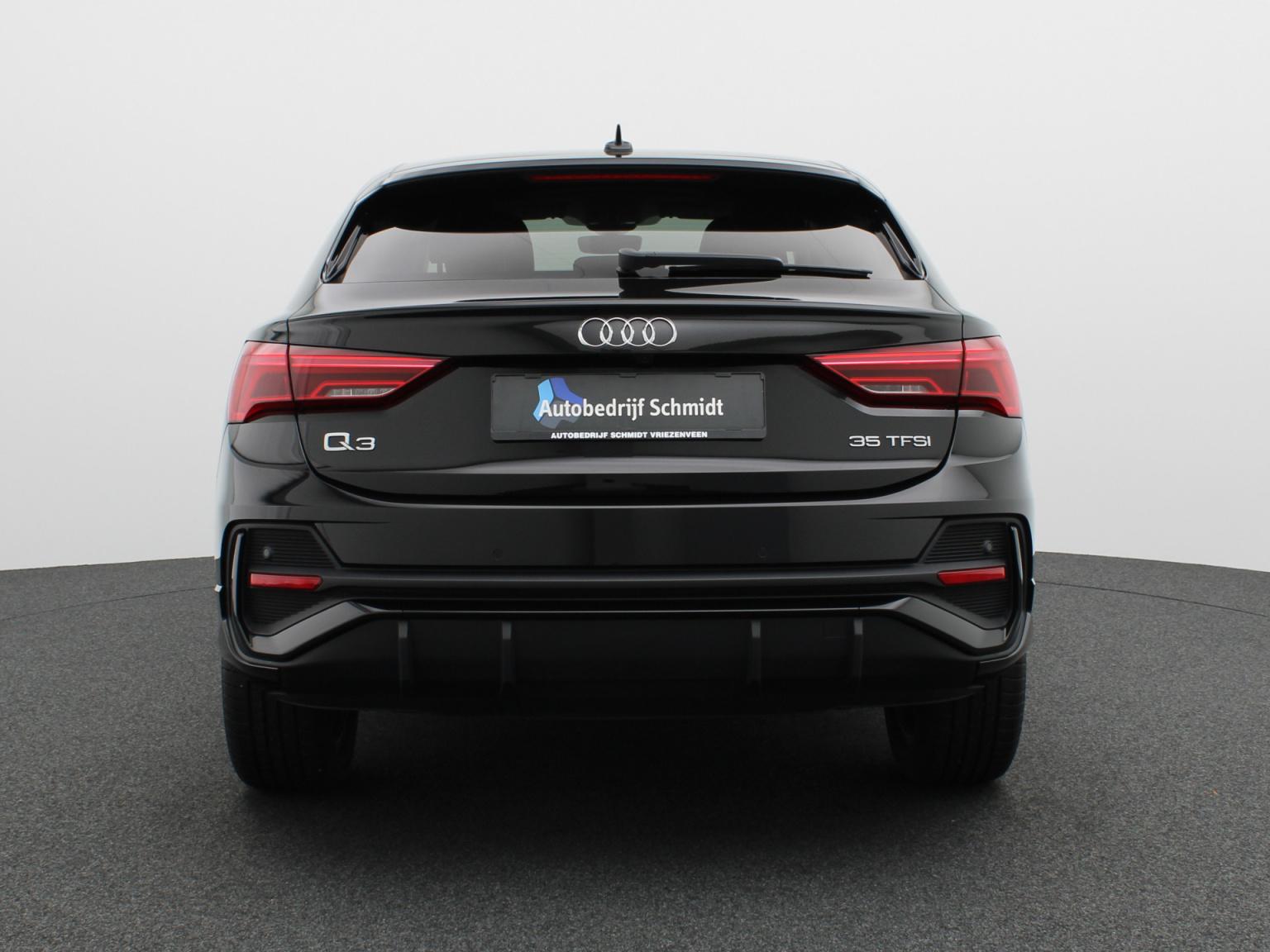 Audi-Q3 Sportback-7