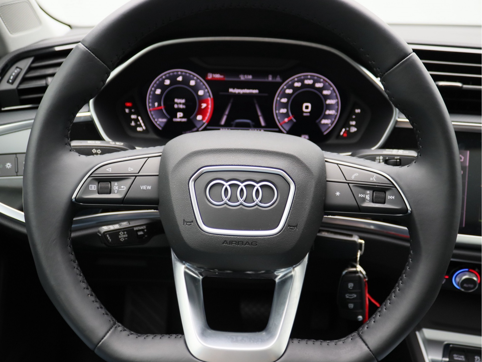 Audi-Q3 Sportback-14