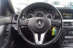 Mercedes-Benz-C-Klasse-12