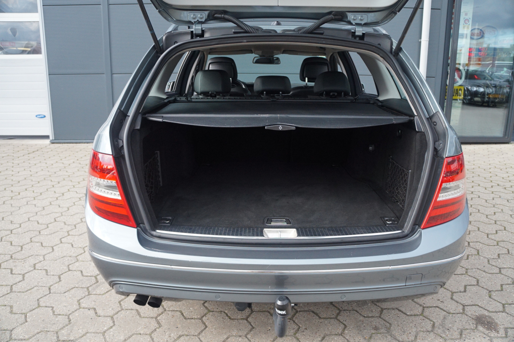 Mercedes-Benz-C-Klasse-22