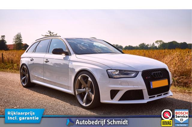 Audi-4.2 FSI RS4 quattro